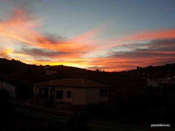 Puesta de sol en la Barriada Pastelero de Málaga
