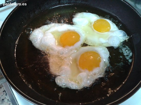 Huevos fritos al estilo Pastelero