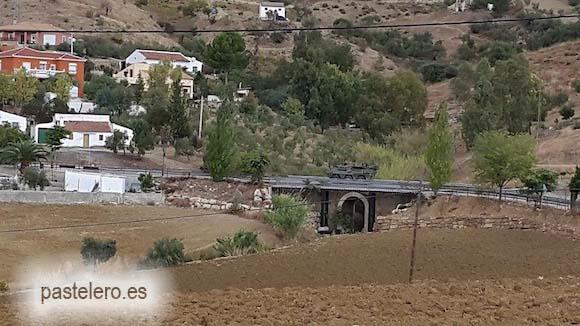 Carro de combate del ejercito español en el Puente de Pastelero