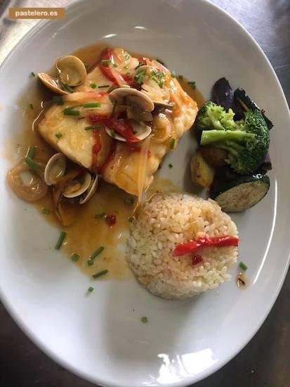 Bacalao al chef Acompañado con arroz y verdura aldente